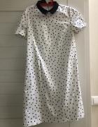 biała sukienka w czarne kropki...