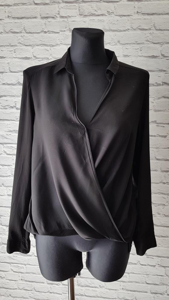 Czarna bluzka Bershka M