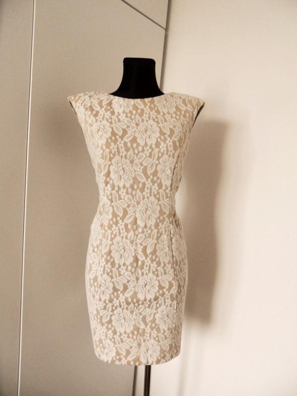 Beżowo biała sukienka koronka ażur