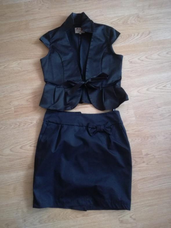 Czarny elegancki komplet rozmiar 38 nowy