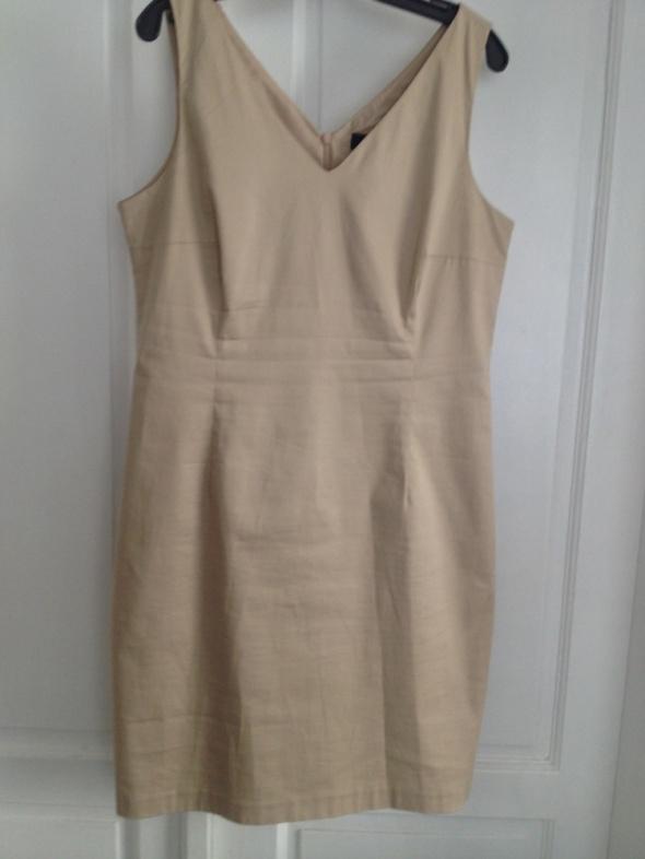 elegancka klasyczna sukienka rozm 42