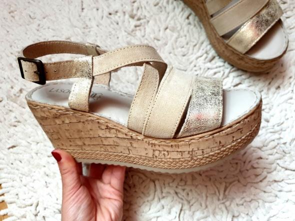 Nowe sandały na koturnie skórzane Lasocki skóra beż rozmiar 35