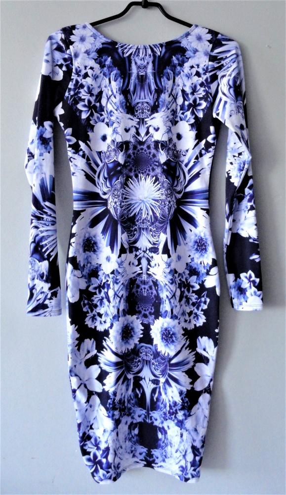 Ołówkowa midi sukienka etniczne wzory kwiaty xs s