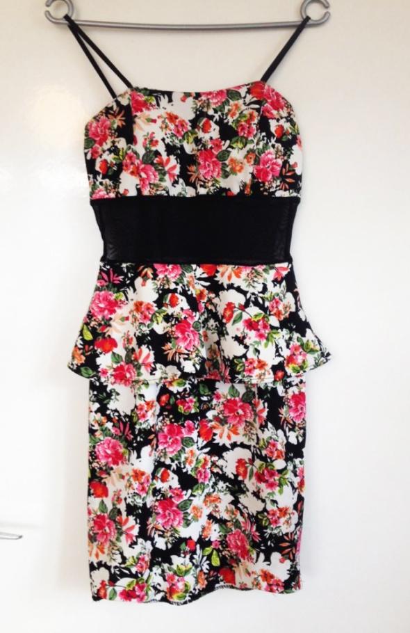 Baskinka sukienka kwiaty siatka XS S M L 34 36 38 z stanikiem używana na sylwestra wesele studniówkę