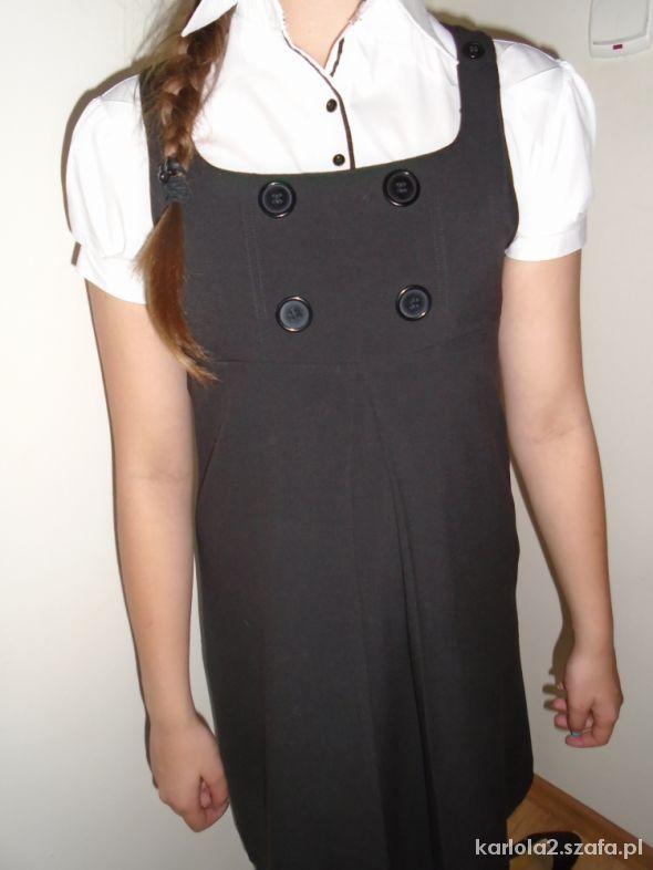 czarna sukienka z guzikami rozm 152