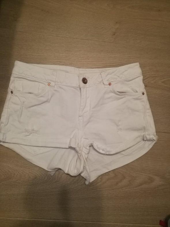 Białe damskie szorty H&M 36...