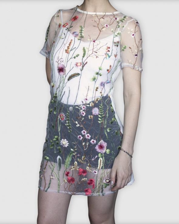 Biała prześwitująca tunika w kwiaty rozmiar S...