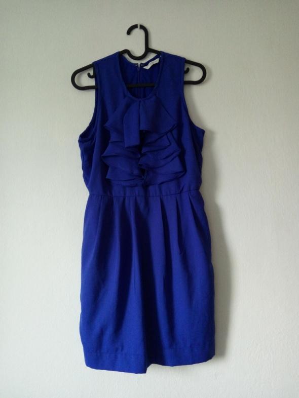 Habrowa sukienka z falbankami...