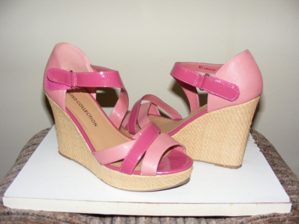 Sandałki koturn róż burgund