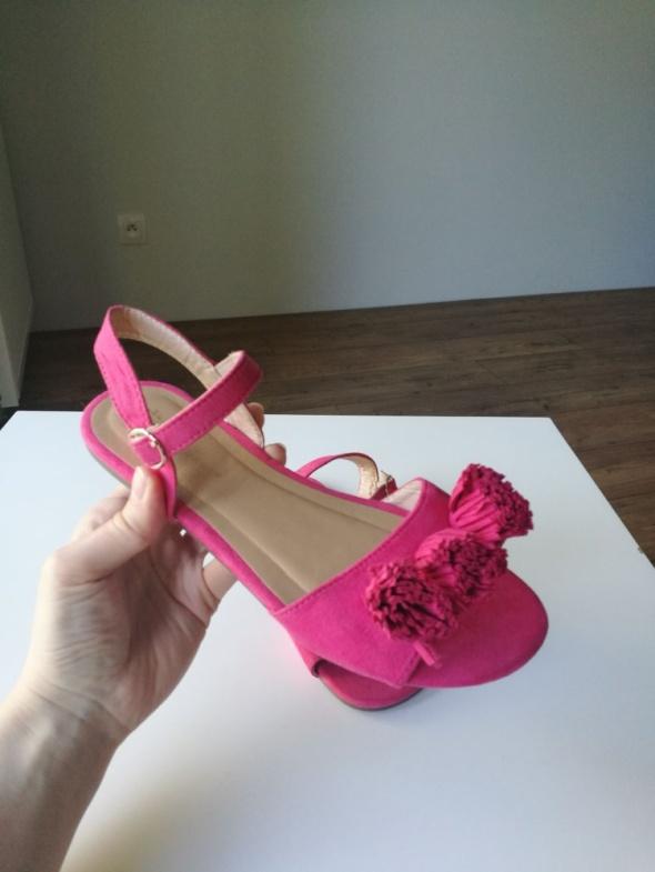 Sandały zamszowe nowe damskie bez wad 37