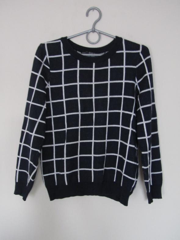 Swetry Sweter w kratę