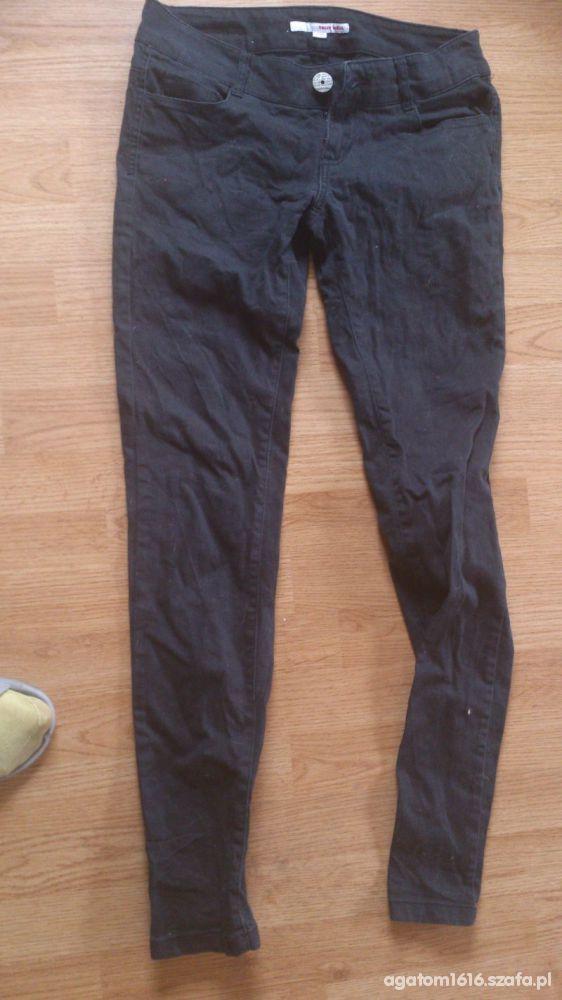 czrne spodnie