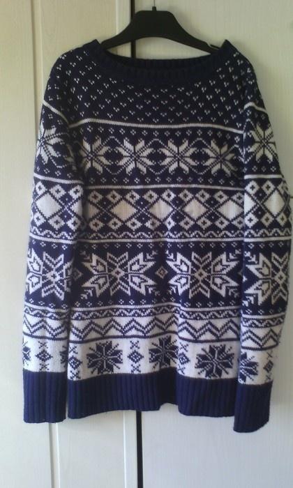 Sweterek Terranova zimowe motywy...