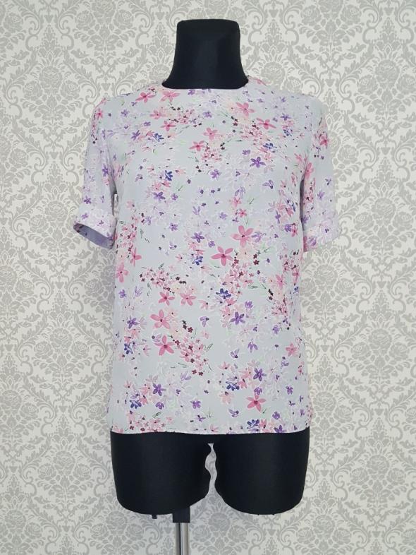 fioletowa bluzka w kwiaty Atmosphere