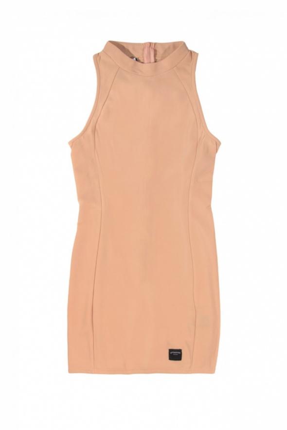 Brzoskwiniowa sukienka z półgofem S
