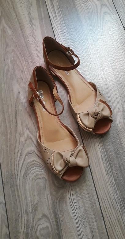 Sandały Śliczne sandałki na Lato 39