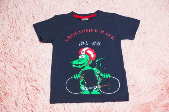 Nowa bluzeczka dla chłopca...
