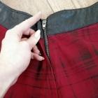 czerwona spódnica w kratę