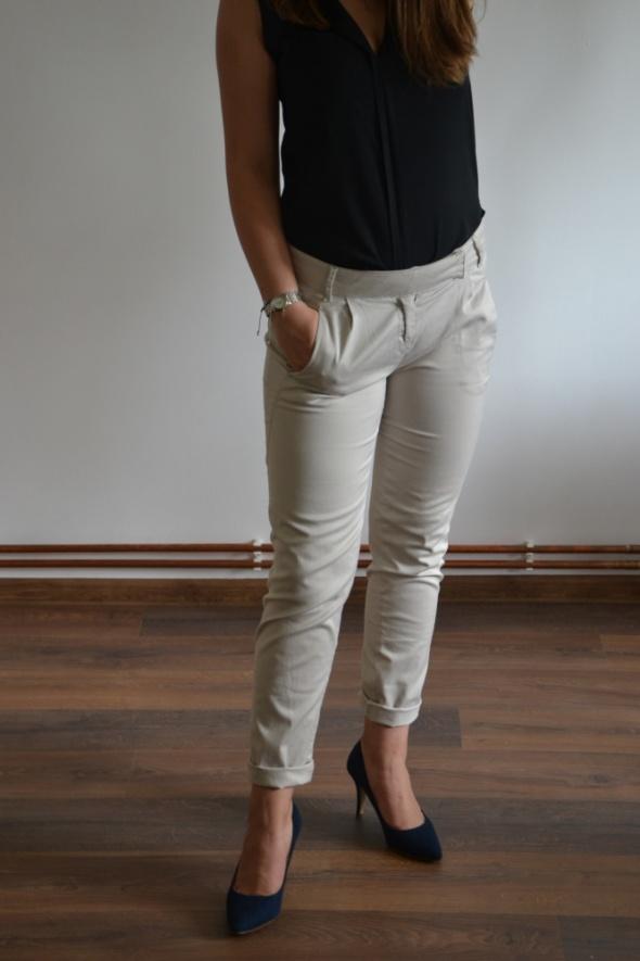 Spodnie chinosy stradivarius