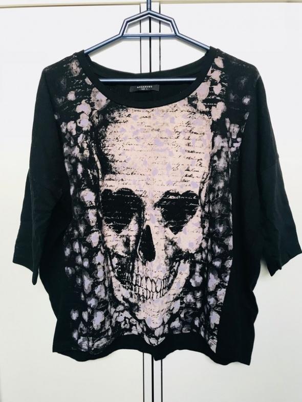Czarna bluza Reserved z czaszką...