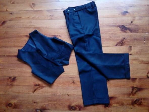 Spodnie w kant i kamizelka 140 cm