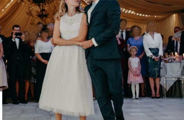 Suknia ślubna śnieżnobiała na pierwszy taniec