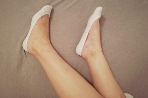 Białe stopki do balerinek
