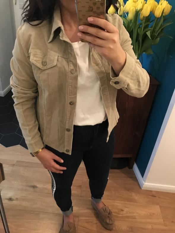 beżowa sztruksowa koszula kurteczka