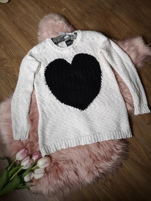 biały sweter Reserved...