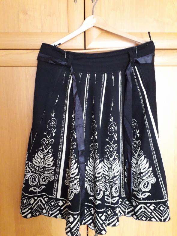 Cudowna spódnica cienki sztruks