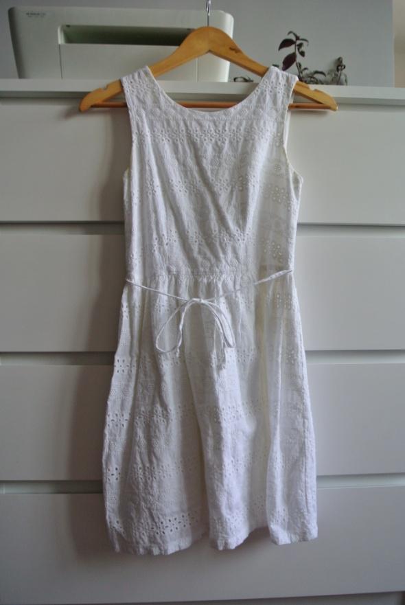 Biała sukienka New Look