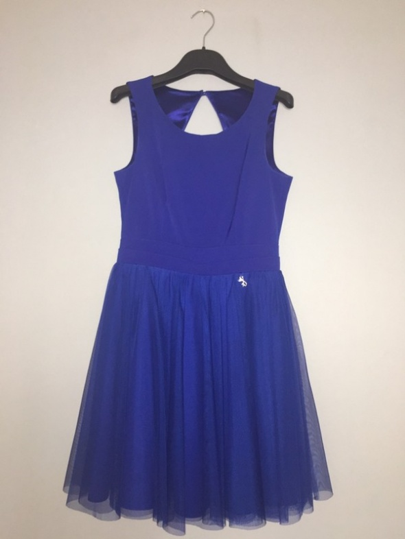 chabrowa sukienka tiul