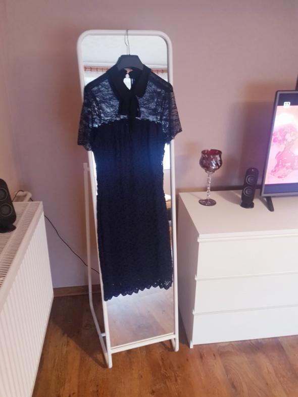 sukienka koronkowa z kołnierzykiem orsay
