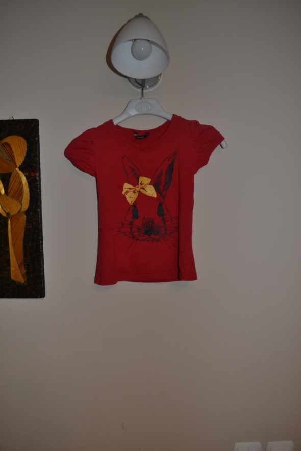 Czerwona bluzka króliczek George 122 cm 128 cm 6 7
