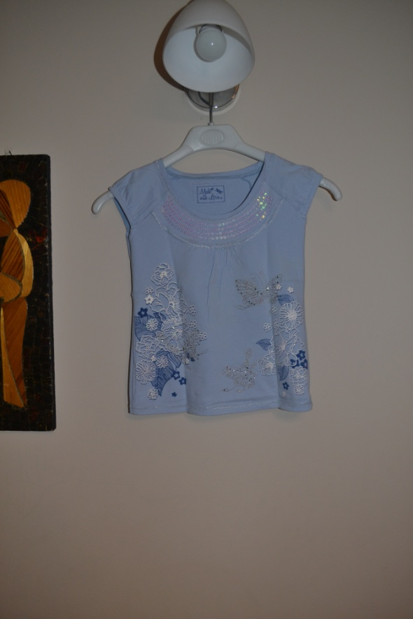 Niebieska w motyle bluzeczka 7 8 9 lat 122cm 128 c