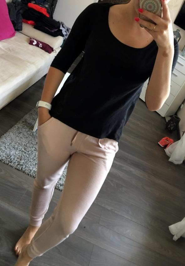 Czarna bluzka TERRANOVA XS