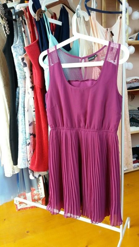 Nowa fioletowa plisowana sukienka