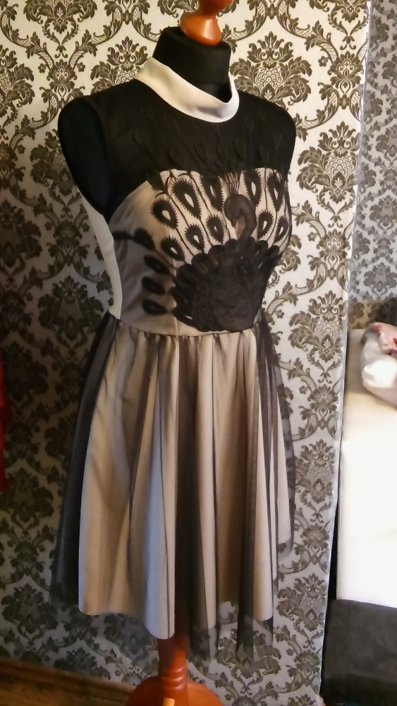 Czarno beżowa suknia 36