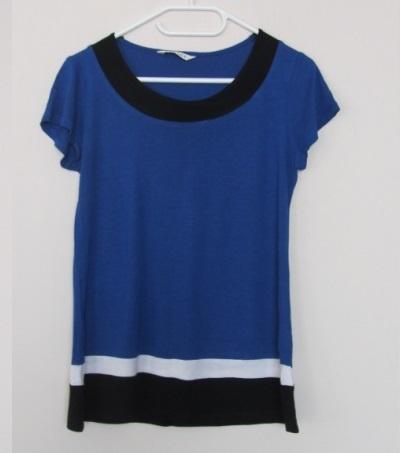 kobaltowa bluzka...