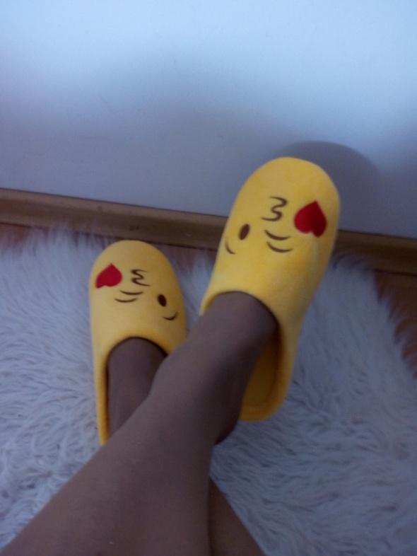Cudne żółciutkie kapciuszki