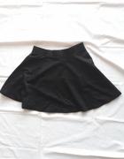 Czarna spódniczka Cropp...