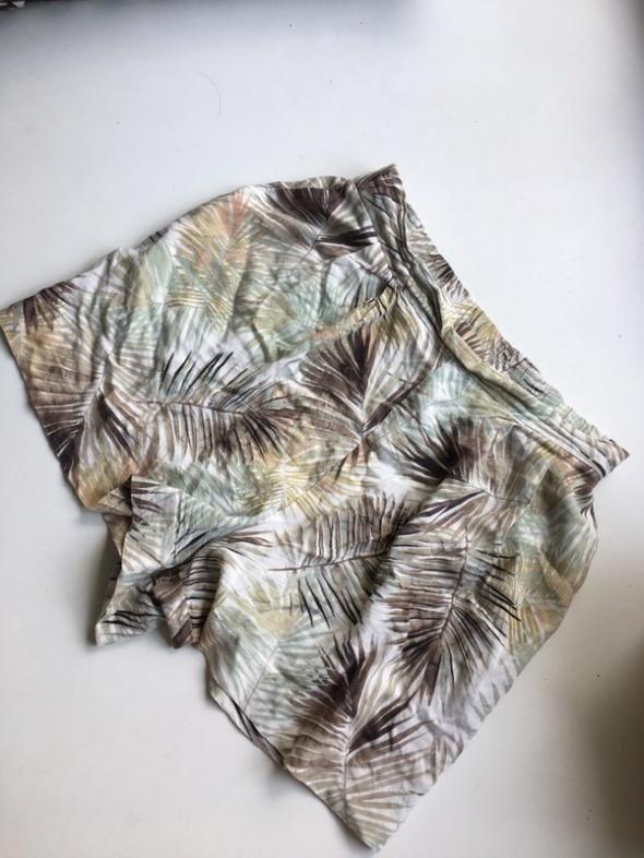 H&M letnie szorty spodenki wysoki stan luźne w palmy liście
