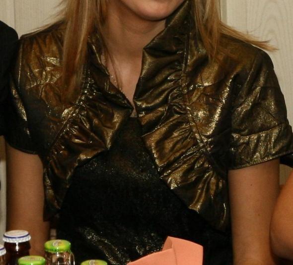 rozkloszowana sukienka z bolerkiem