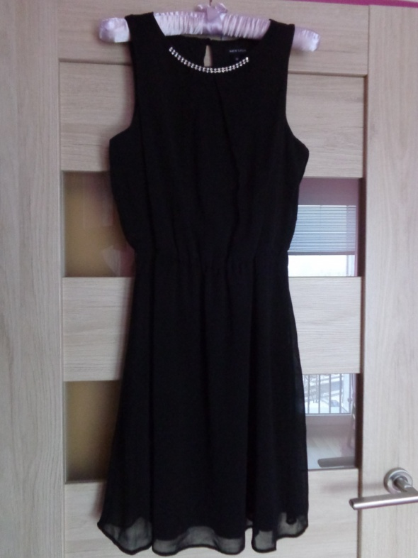 Suknie i sukienki Czarna elegancka sukienka ze zdobieniem