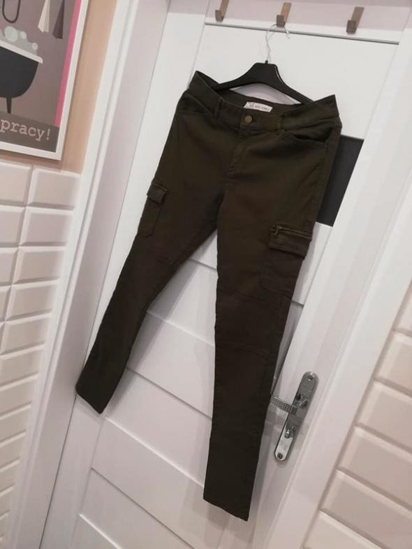 C&A jeansy super skiny z kieszeniami cargo