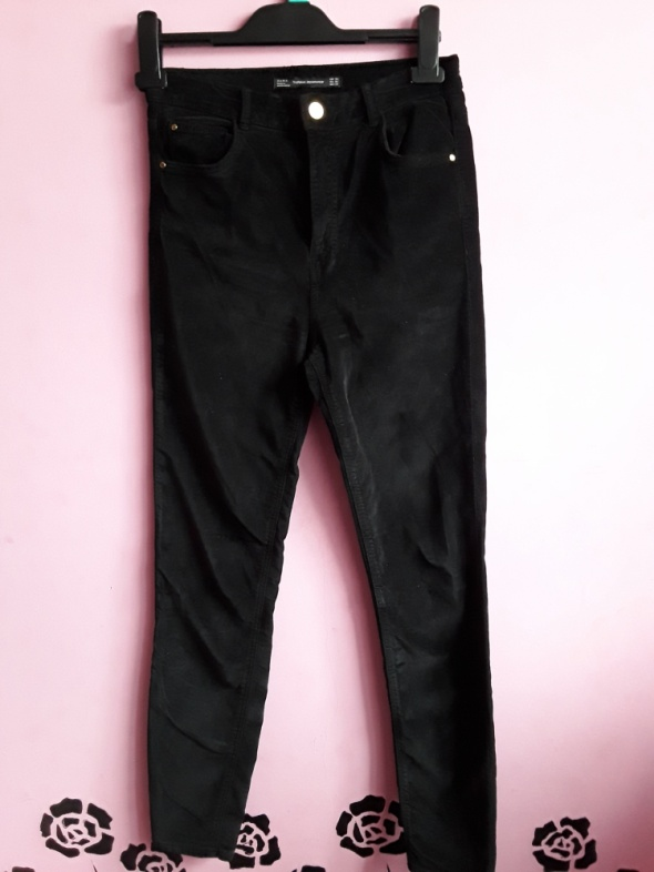 Spodnie basic czarne zamszowe...