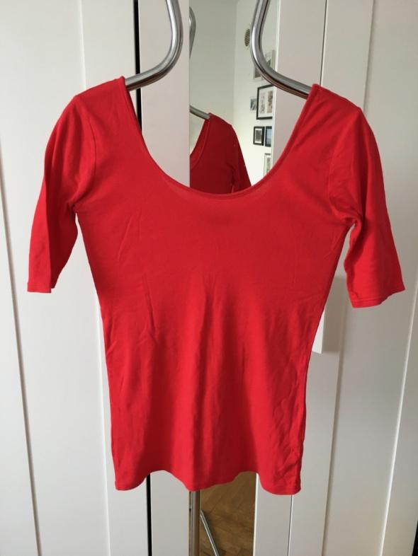 Czerwona z dekoltem na plecach Dorothy Perkins 40...
