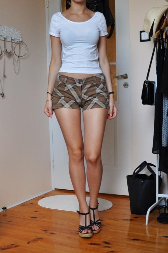 Spodenki Brązowe krótkie spodenki szorty w kratkę