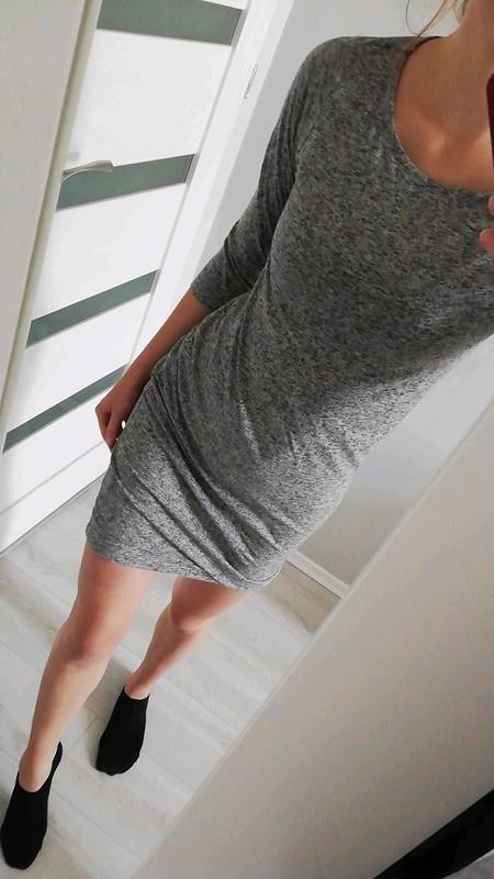 Szara sukienka Reserved...