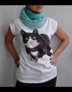 biała koszulka z kotem...